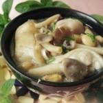 秀珍菇黄豆炖猪蹄