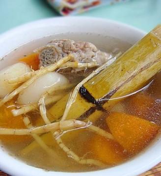竹蔗茅根胡萝卜汤的做法