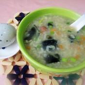 皮蛋粽子粥的做法