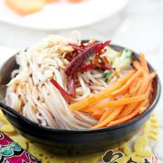 红油鸡丝凉拌米线的做法