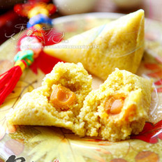 小米蛋黄粽的做法