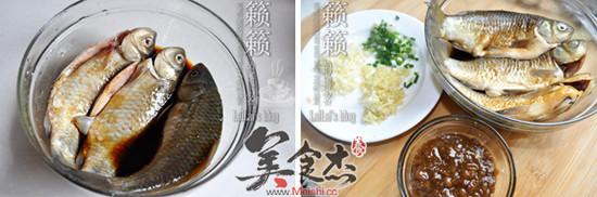 黄豆酱炆酥鲫鱼hO.jpg
