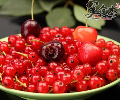 在樱桃成熟季节,日食樱桃20颗