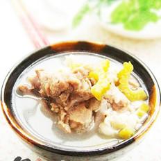 苦瓜薏米骨头汤的做法