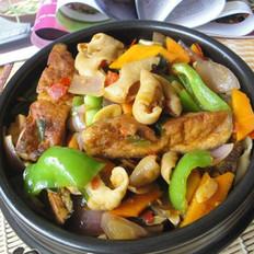 臭豆腐肥肠煲的做法