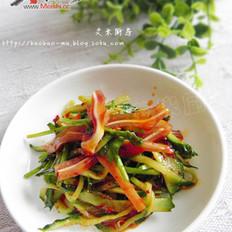 红油黄瓜拌耳丝的做法