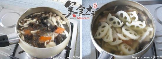 莲藕菌菇炖兔肉uo.jpg