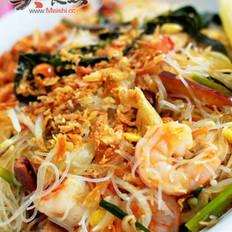 泰式鲜虾炒米粉