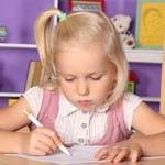 警惕孩子用笔不当导致近视