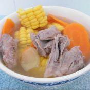 玉米红萝卜煲猪骨的做法