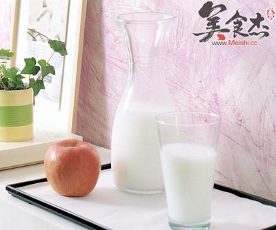 苹果牛奶减肥法2天瘦7斤cG.jpg