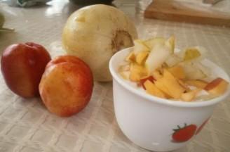 黄桃香瓜酸奶的做法