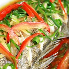 葱香鲈鱼的做法