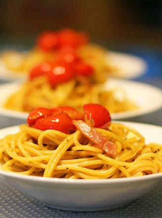 打印黑胡椒番茄培根炒意面的做法(美食杰)