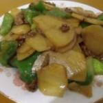 灯笼椒土豆炒肉