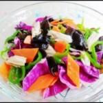 青椒紫甘蓝木耳凉拌菜