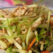 土芹菜炒肉丝的做法