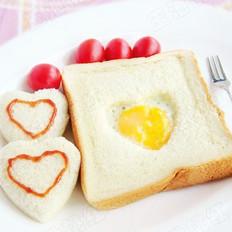 心形煎蛋吐司的做法