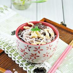 香菇木耳炝锅面的做法