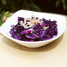 紫甘蓝炒虾皮的做法