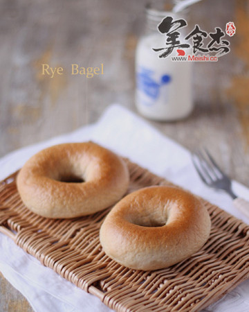黑麦贝果面包aI.jpg