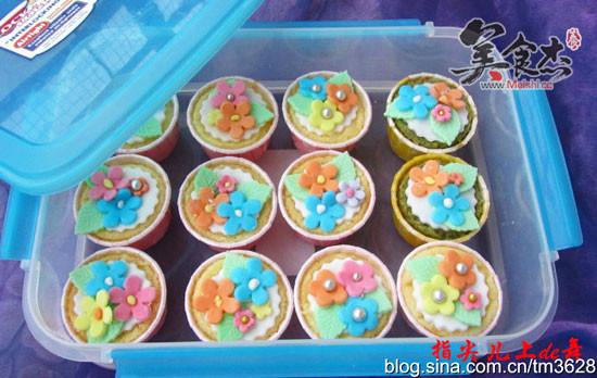 翻糖小花纸杯蛋糕vK.jpg
