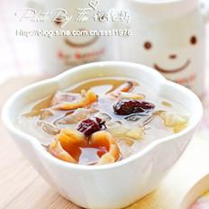 桂圆红枣银耳汤