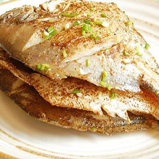 香煎鲳鱼的做法