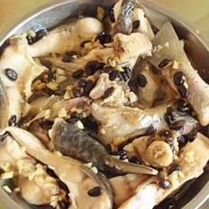 蒜香豆瓣蒸鱼
