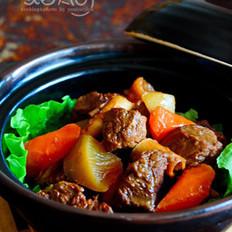 青红萝卜焖牛肉的做法