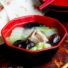 黑木耳白菜清炖排骨的做法