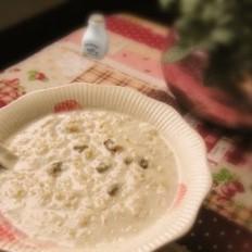 牛奶葡萄干燕麦片