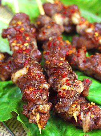 新疆人卖羊肉串视频_新疆羊肉串的做法_新疆羊肉串怎么做_美食杰