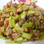 鸡肾炒芹菜