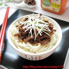 京醬肉絲面的做法