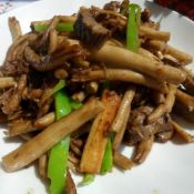 干煸牛肉茶树菇