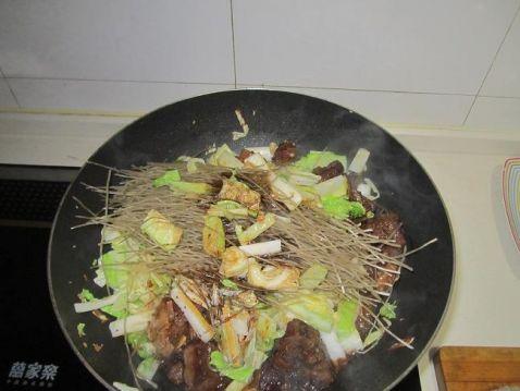 大白菜粉条炖排骨_排骨白菜炖粉条的做法_排骨白菜炖粉条怎么做_美食杰
