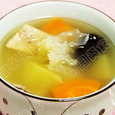 苹果银耳瘦肉汤的做法