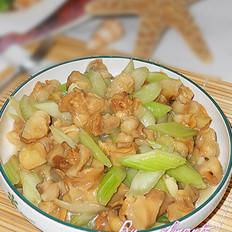 西芹炒螺肉