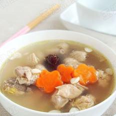 红枣杏仁煲鸡汤的做法