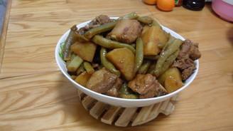 家常菜芸豆桂圆炖做法的羊排排骨汤可以放土豆图片