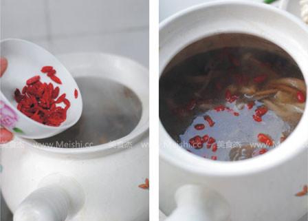 牛尾鲜菌汤煲jc.jpg