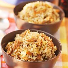 青椒榨菜肉丝煲仔饭的做法