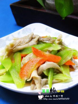 莴苣炒平菇的做法