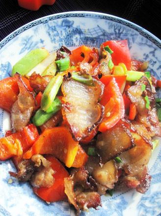 红椒炒腊五花肉的做法