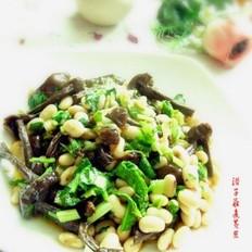滑子菇煮黄豆