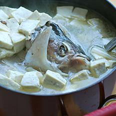 鲢子头豆腐汤的做法