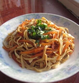 凉拌干豆腐胡萝卜丝的做法