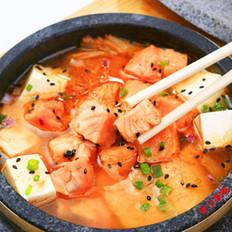 石锅三文鱼豆腐汤的做法