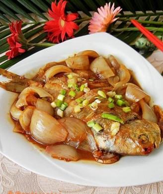 鲈鱼片红烧洋葱的鲳鱼豆鼓蒸海做法图片